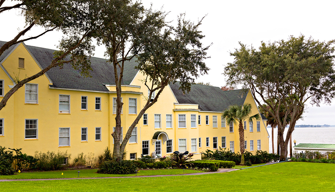 item 10 of Gallery image - Lakeside Inn en Mount Dora, Florida