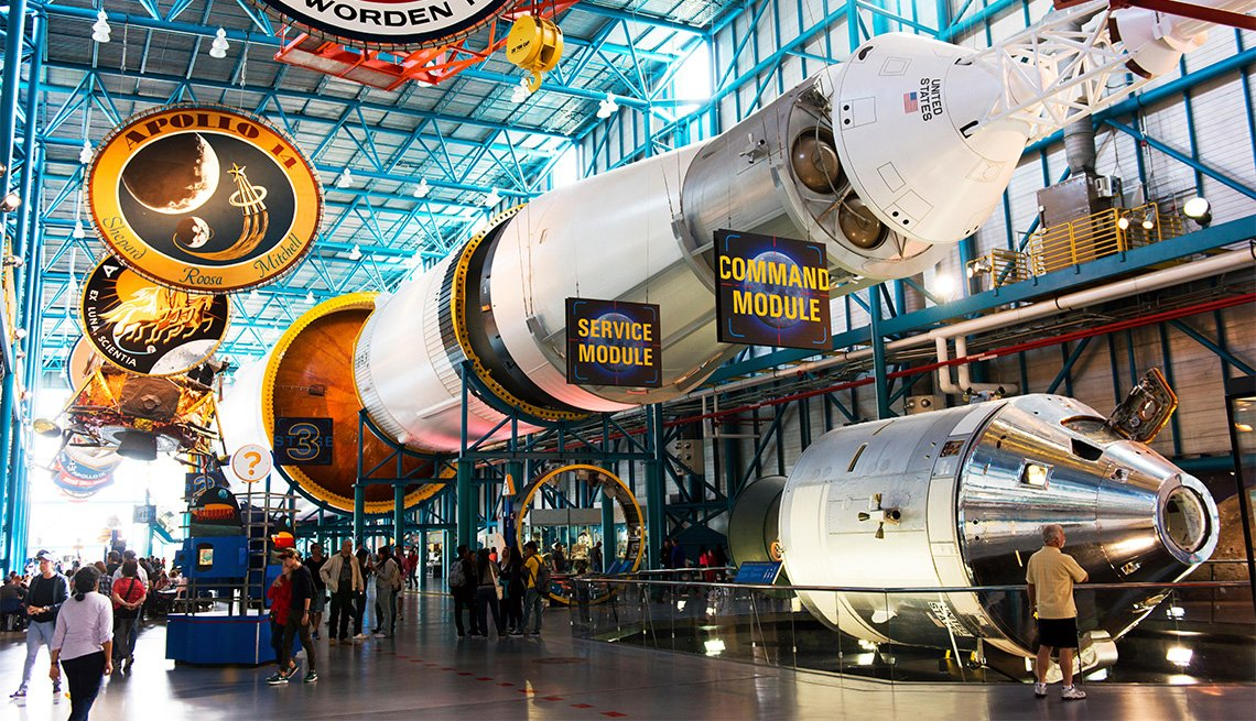 item 9 of Gallery image - Interior del Kennedy Space Center, Florida.