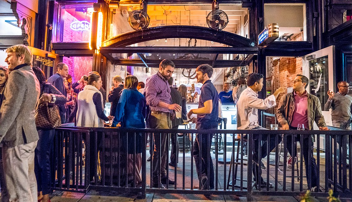 Nightlife at Pearl Dive on 14th Street