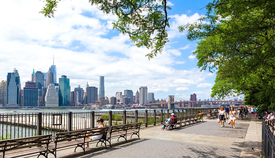 Brooklyn Heights Esplanade