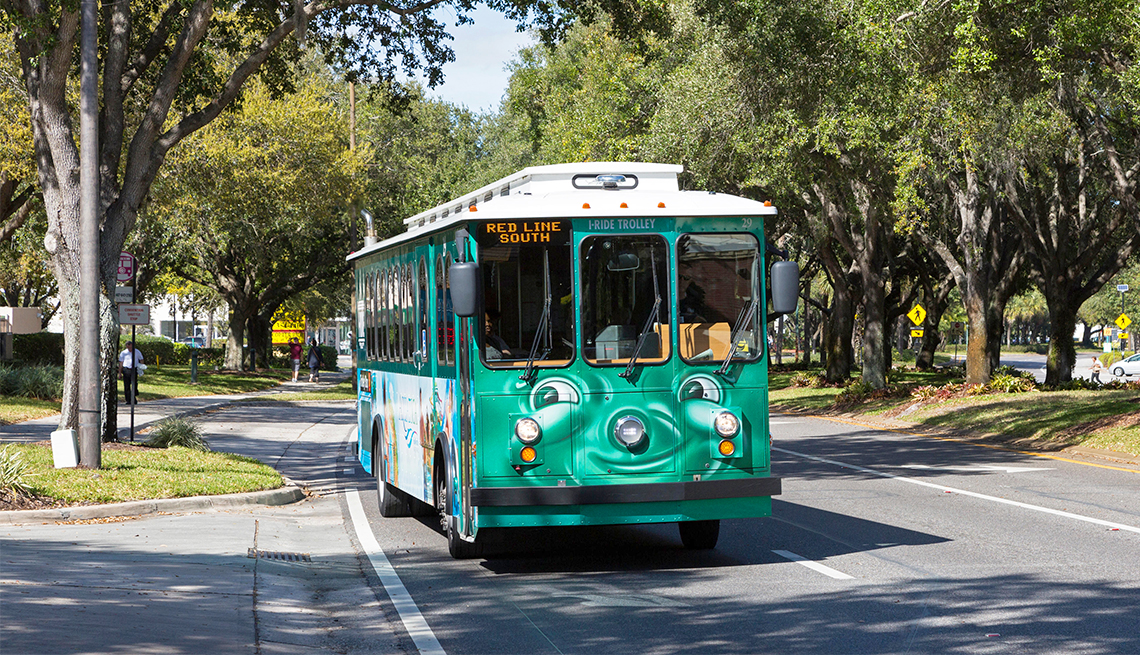 I-Ride iconic trolley bus
