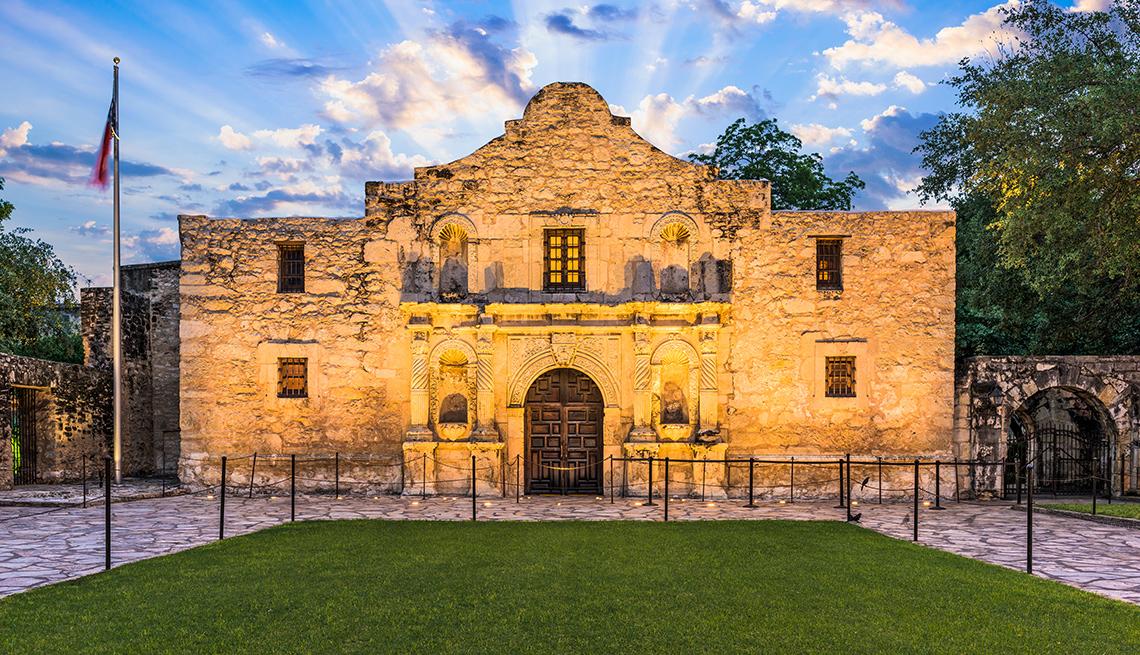 item 2 of Gallery image - The Alamo