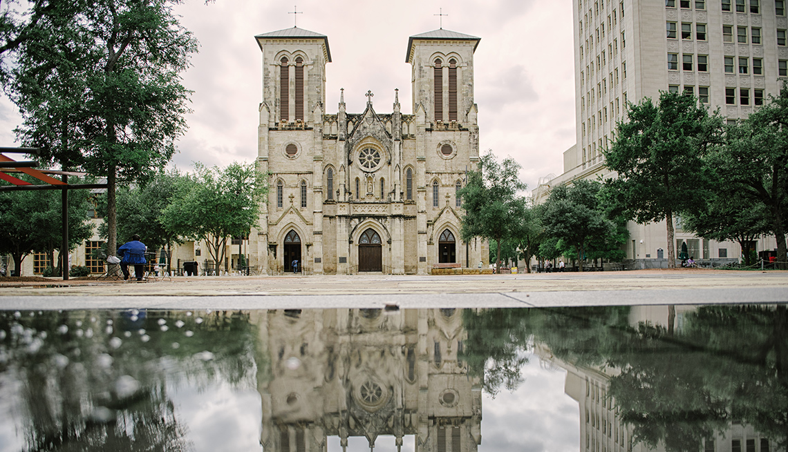 item 11 of Gallery image - San Fernando Cathedral, San Antonio, Texas