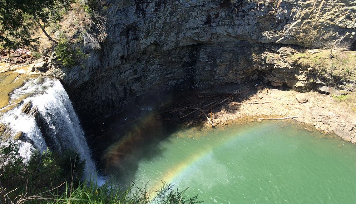 item 10 of Gallery image - Cascada en el Creek Falls State Park