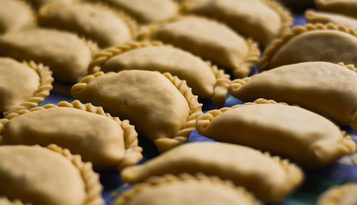 item 9 of Gallery image - Home made salteñas empanadas