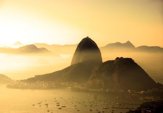 Montaña Pan de Azúcar en Río de Janeiro, Brasil - 10 ideas de moda para sus vacaciones
