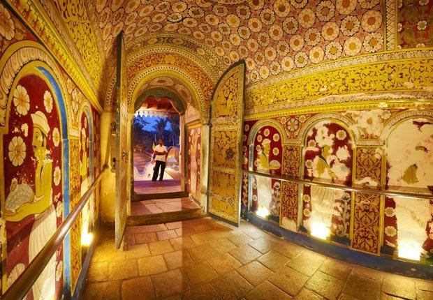Templo del Diente de Kandy Sri Dalaga Maligawa, Sri Lanka - 10 ideas de moda para sus vacaciones