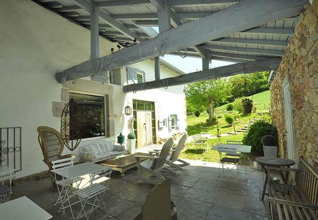 Terraza en la Ferme Elhorga - Imágenes del país Vasco
