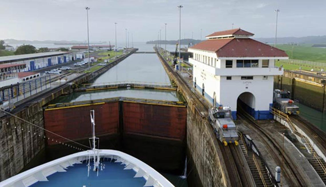 item 9 of Gallery image - Panama Canal