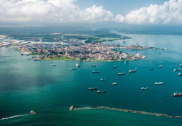 Vista aérea del puerto de Colón, 10 lugares para visitar en Panamá
