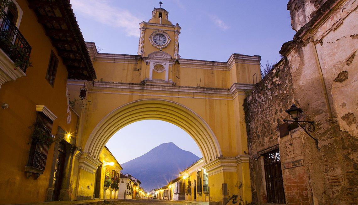Antigua, Guatemala - De viaje por los países más felices de América Latina