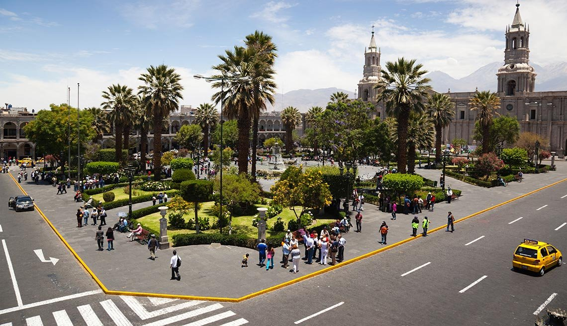 Plaza de Armas in Arequipa, Captivating Peru: Inca Trails, Beaches and Gastronomy