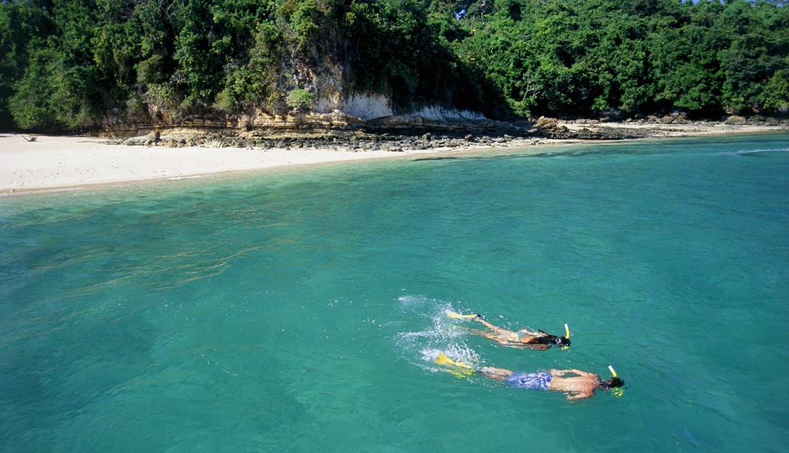 couple. snorkling, Contadora Island