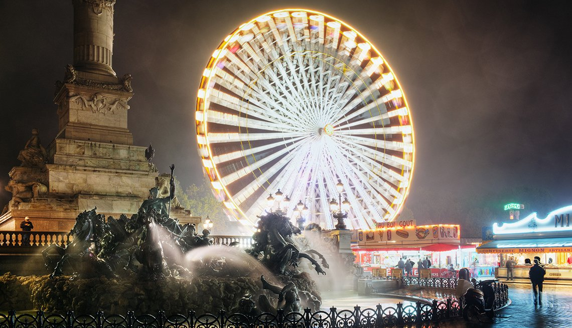 Ferris Wheel and Fountain at night in Bordeaux, France, Top International Destinations