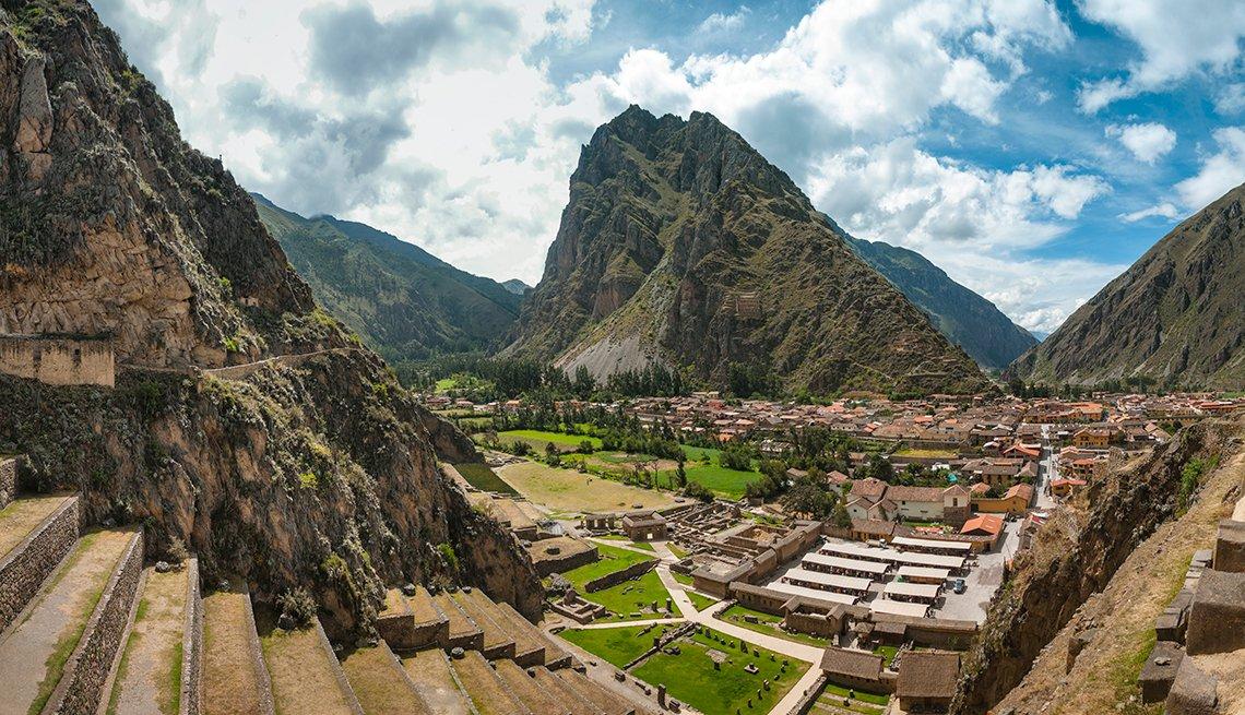 Ancient Ruin Of Ollantaytambo In Peru, Top International Destinations