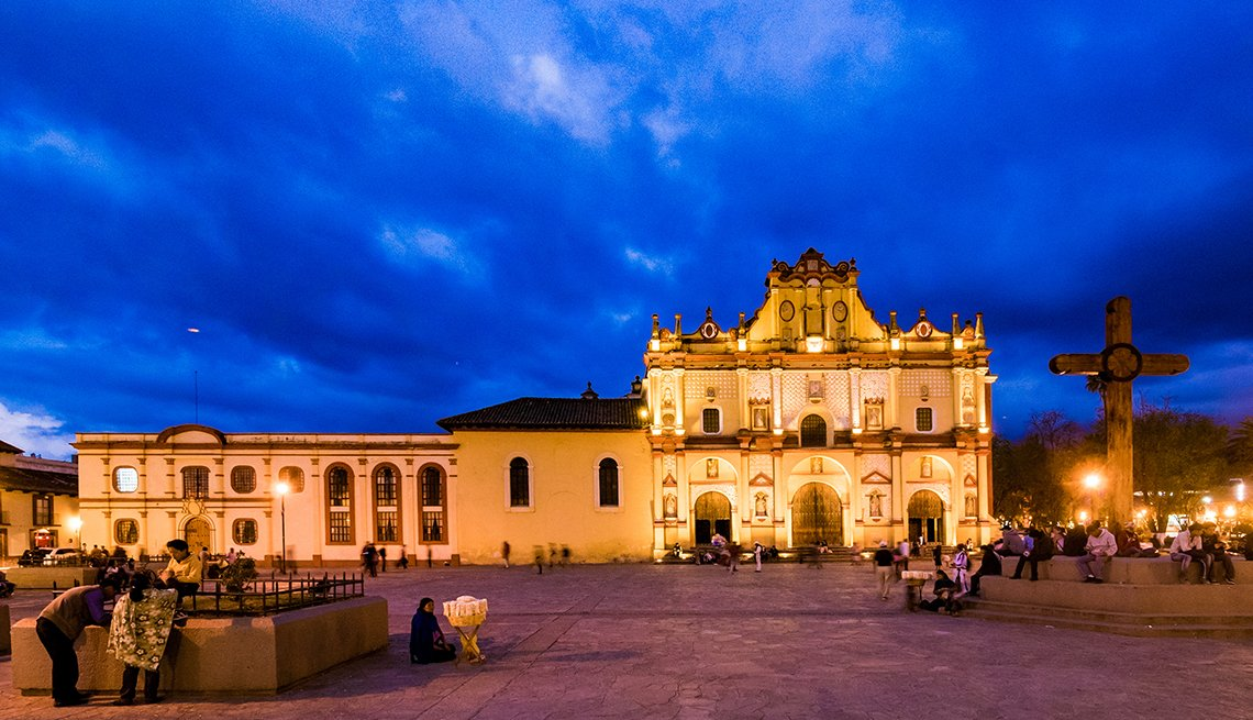 Cathedral de San Cristobal at Night, Mexican Getaways, Travel