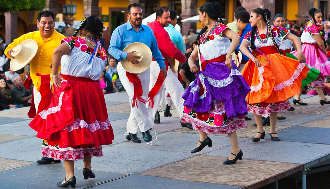Dancers Perform in Folk Dance Festival in San Miguel de Allende, Mexico, Mexican Getaways, Travel