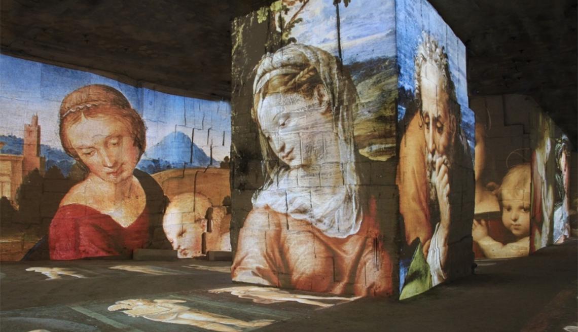Carrières de Lumières Multimedia Art Museum in Les Baux de Provence, Provence Attractions