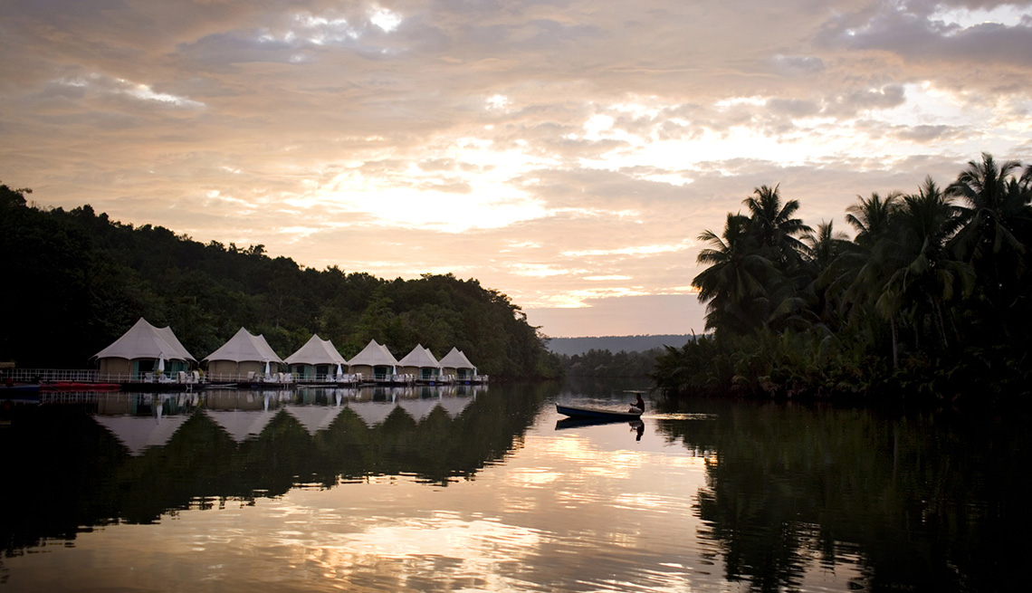 Sunrise At 4 Rivers Floating Lodge In Cambodia, Global Glamping