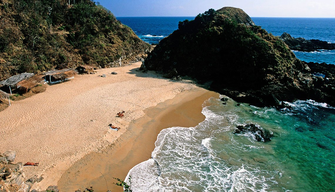 Lovers Beach in Zipolite, Secret Spots in Mexico for 2017