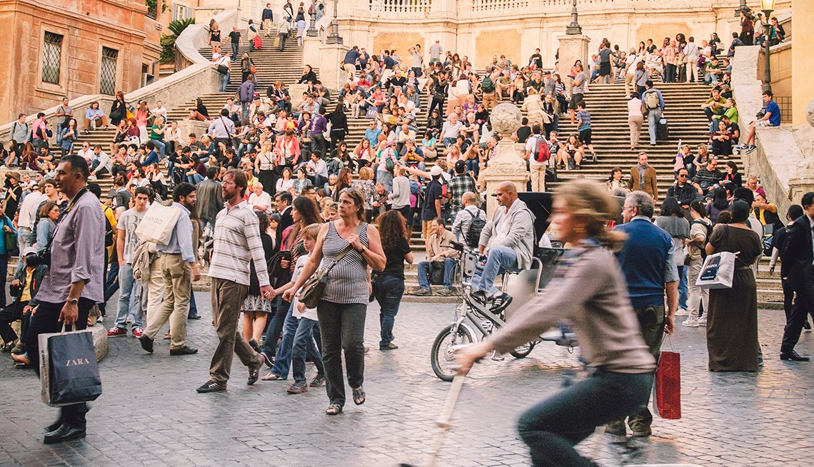 Crowd, Spanish Stairs, Rome, Italy, Rome: Pasta, Piazzas and the Pantheon on a Budget