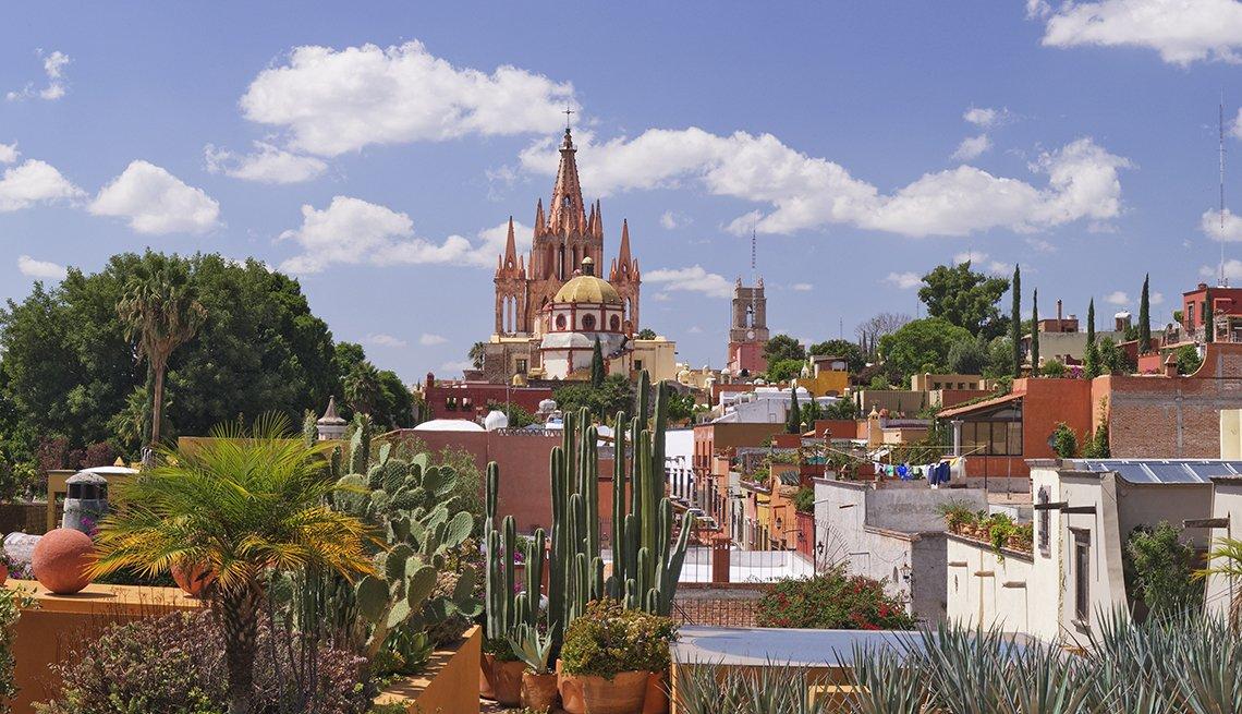 Buildings Near The San Miguel De Allende In Mexico, San Miguel De Allende