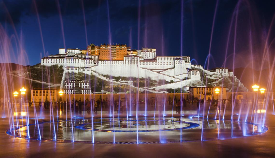 Portola Palace en la noche