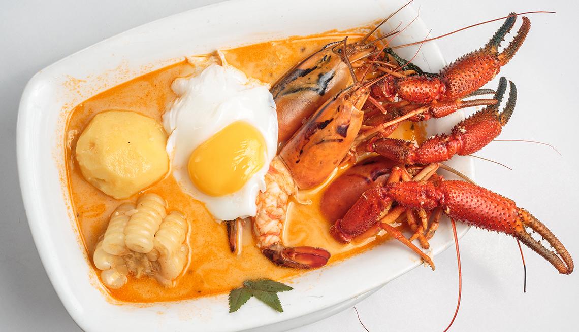 item 2 of Gallery image - Sopa parihuela servida en un plato blanco