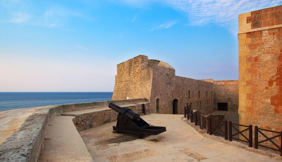 item 12 of Gallery image - Castillo de los Tres Santos Reyes Magos del Morro, La Habana, Cuba.