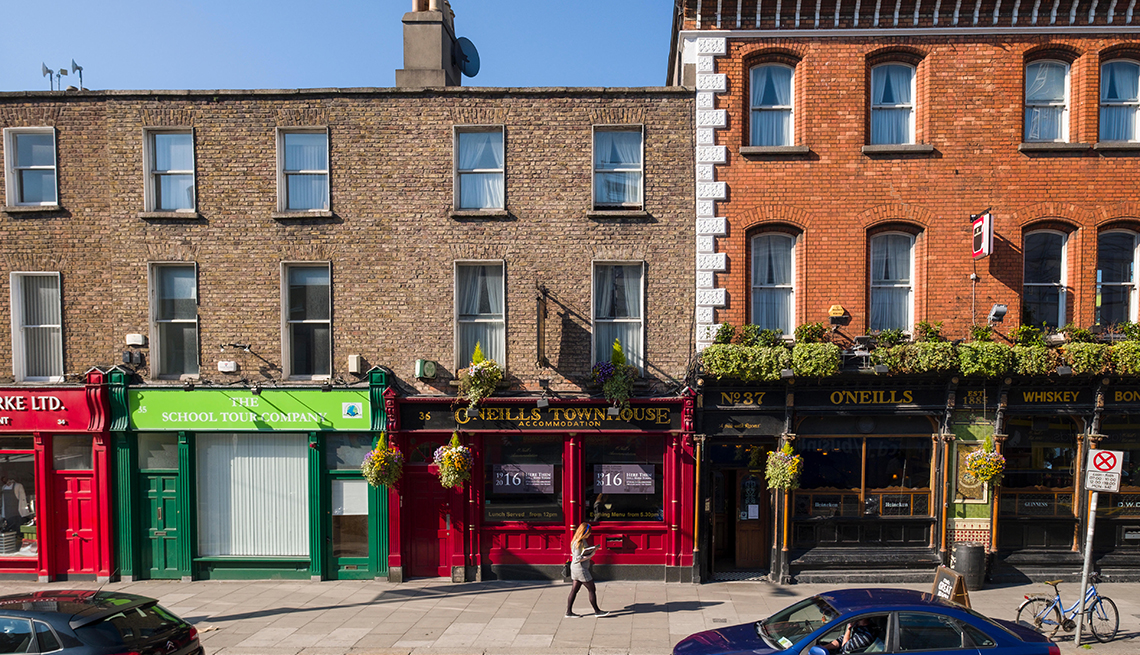 O'Neills Victorian Pub & Townhouse, Pearse Street, Dublin, Leinster, Ireland