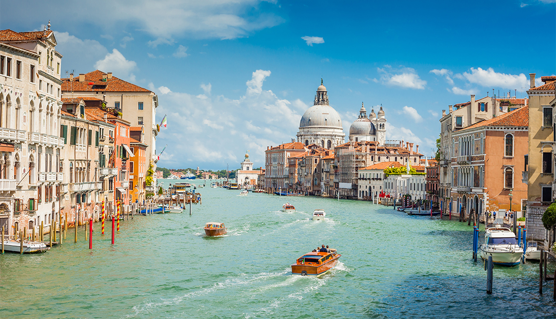 An iconic view from Accademia Bridge