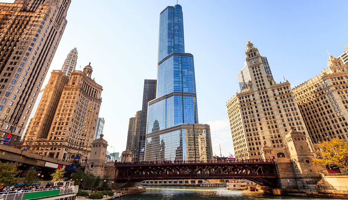 Trump Tower at Michigan Avenue Bridge in Chicago, Illinois, America's Coolest Skyscrapers, Travel