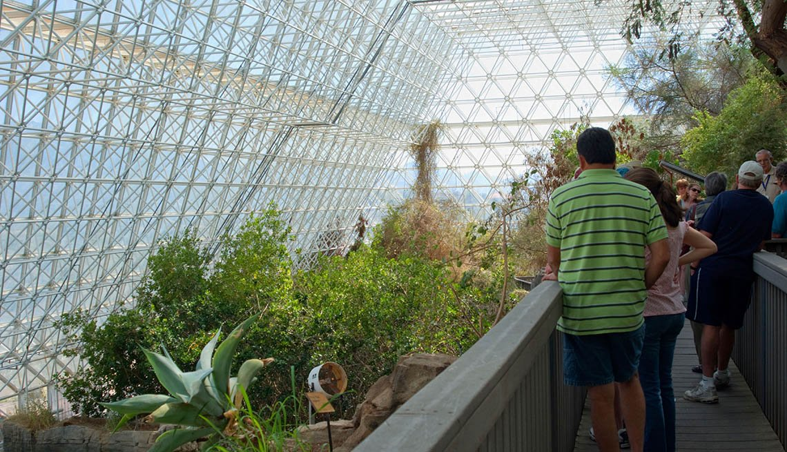 Tourists Walk Through The Biosphere In Arizona, Roadside Attractions