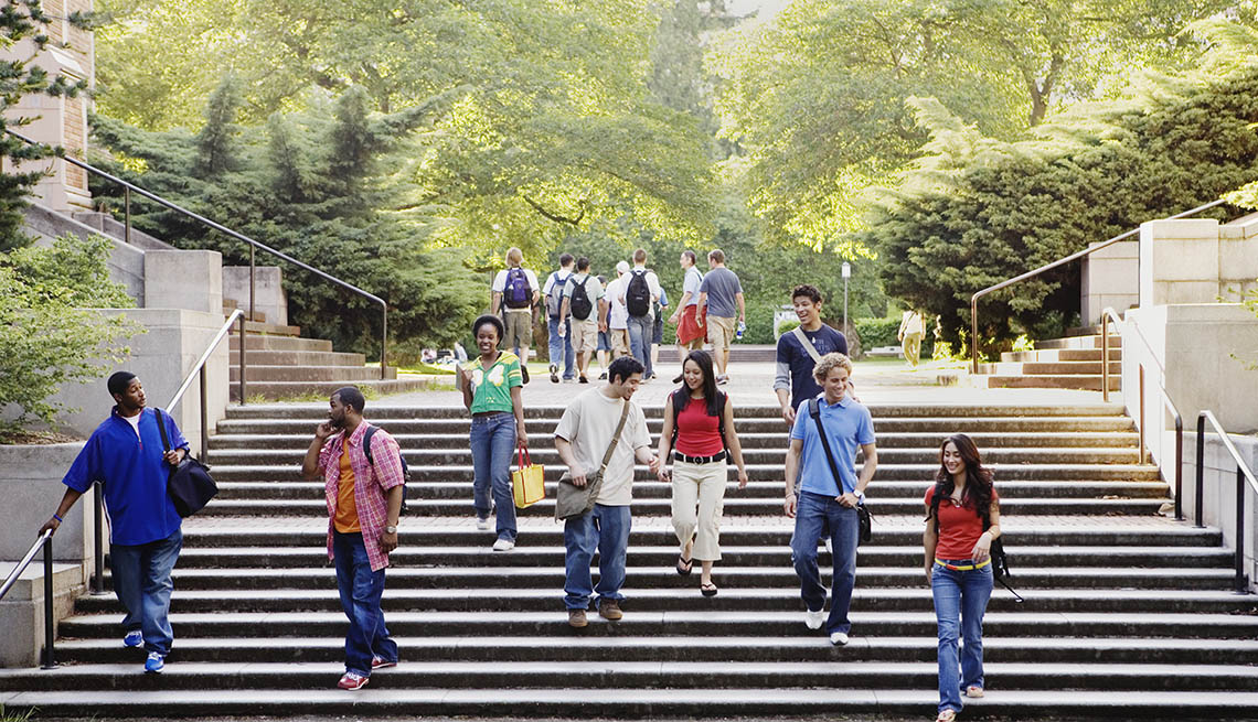 Students Walk Down Large Outdoor Stairs On College Campus, Tips For College Tours