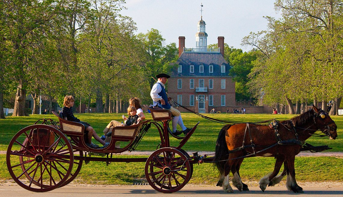 Horse-drawn Carriage at Governor Palace in Colonial Williamsburg in Virginia,  Historic Walks and Trails in America, Travel