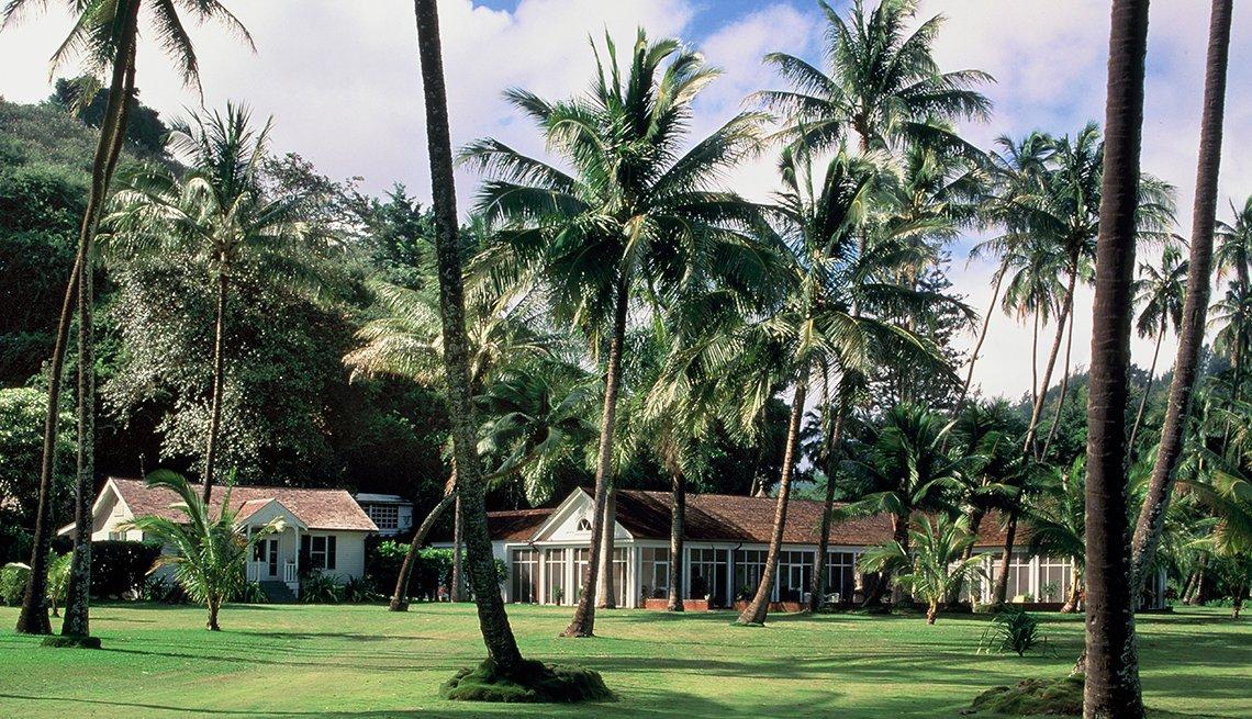 Allerton Garden in Koloa on Kauai, Hawaii, Historic Walks and Trails in America, Travel