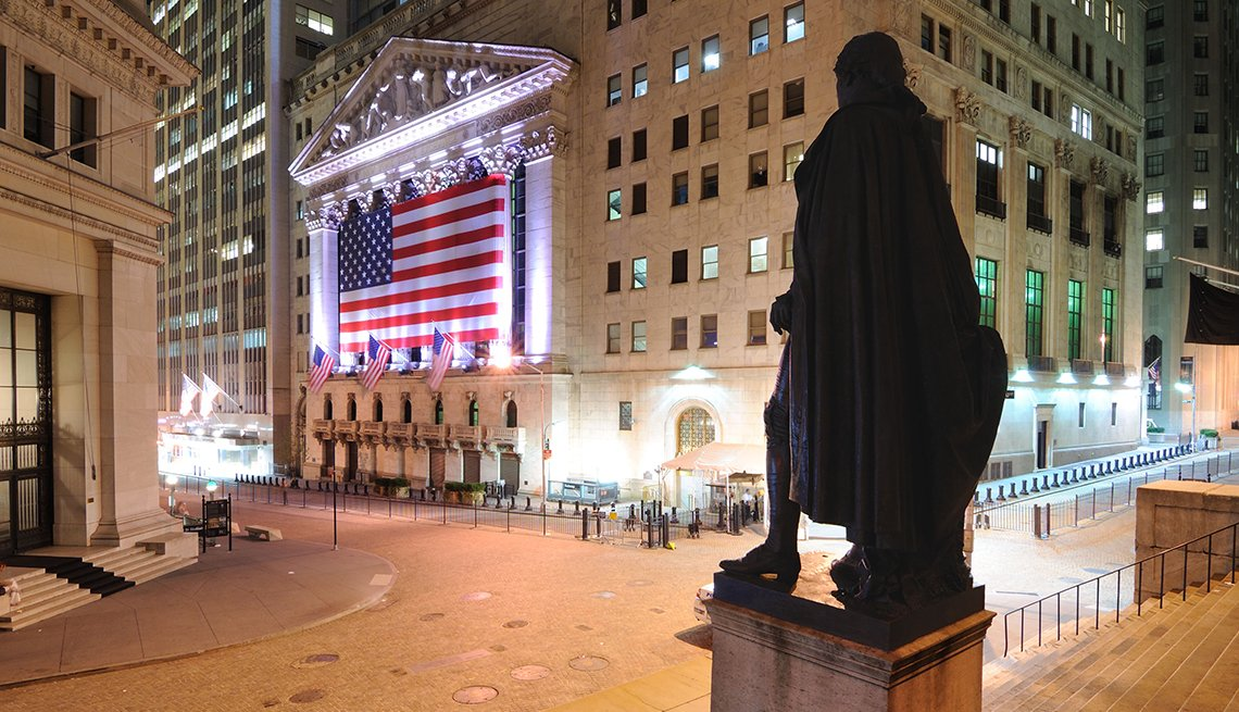 New York Stock Exchange on Wall Street in Manhattan, Historic Walks and Trails in America, Travel