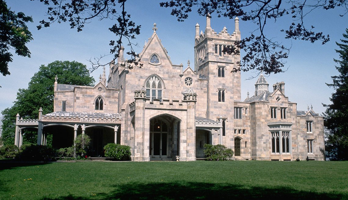 Lyndhurst Castle, Trees, Grounds, 10 Must-See American Castles