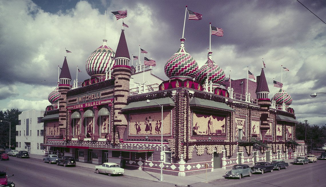 The Mitchell Corn Palace Is Made From Ears of Corn, Bizarre Buildings