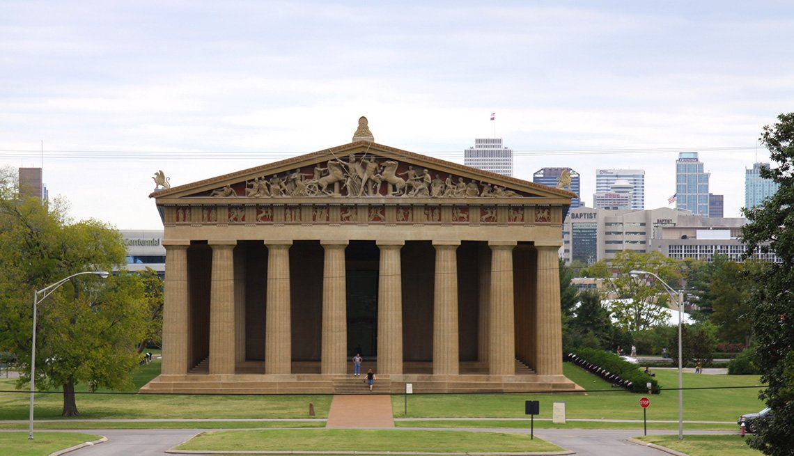 A Replica Of The Parthenon Is In Nashville Tennessee, Bizarre Buildings