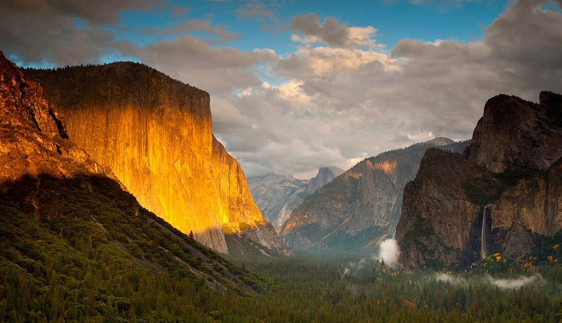Sunlight on Mountains, Yosemite Valley, America's Top 10 Natural Wonders