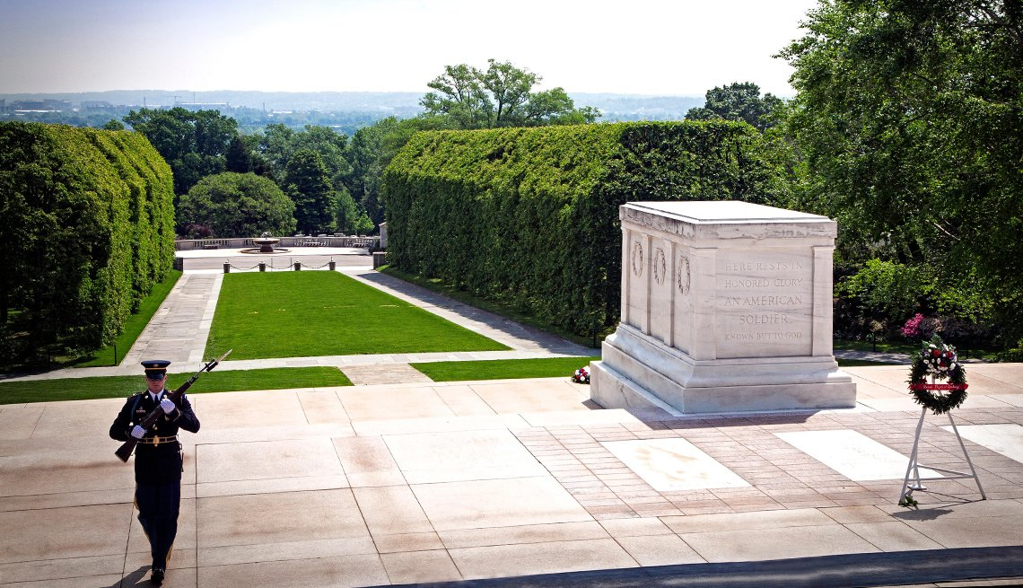 Honor Guard at Tomb of the Unkown, Washington, D.C. Monuments and Memorials
