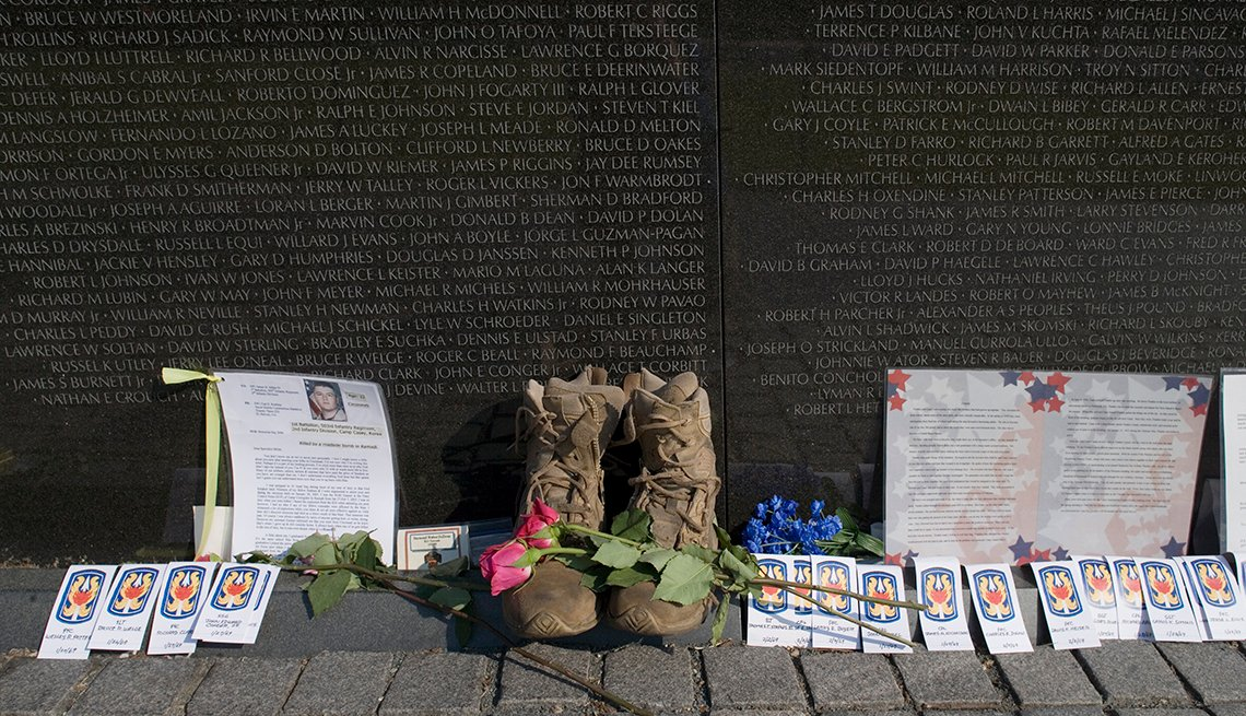 Vietnam Memorial on Memorial Day, Tributes, Washington, D.C. Monuments and Memorials