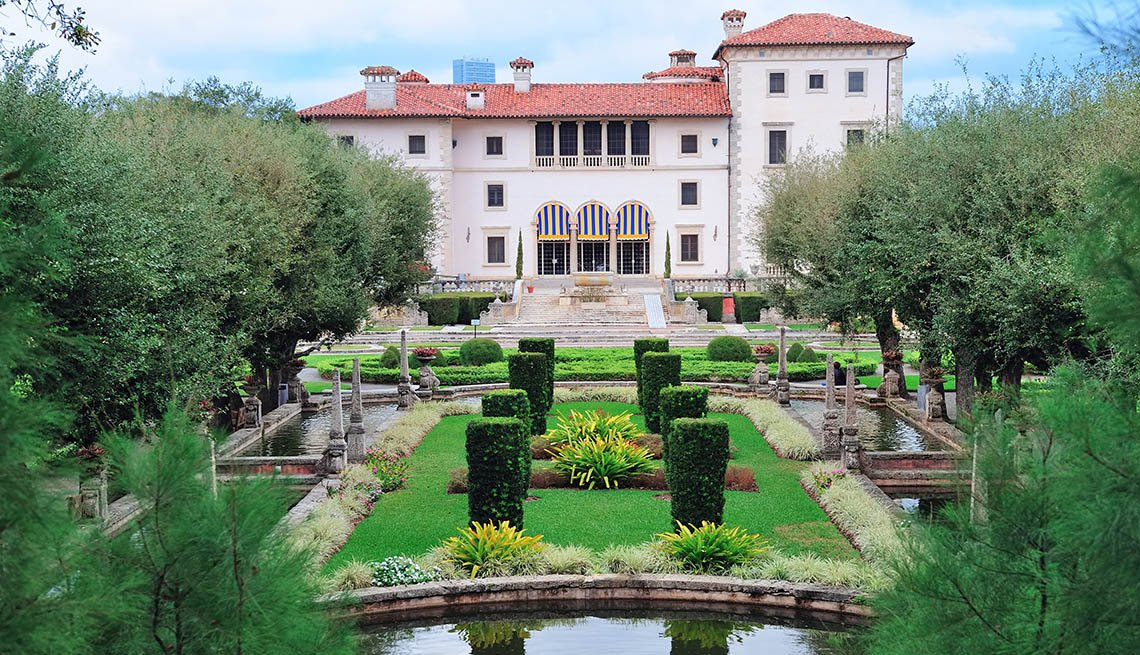 View Of Gardens And House At The Vizcaya Museum In Miami Florida, Amazing USA Gardens