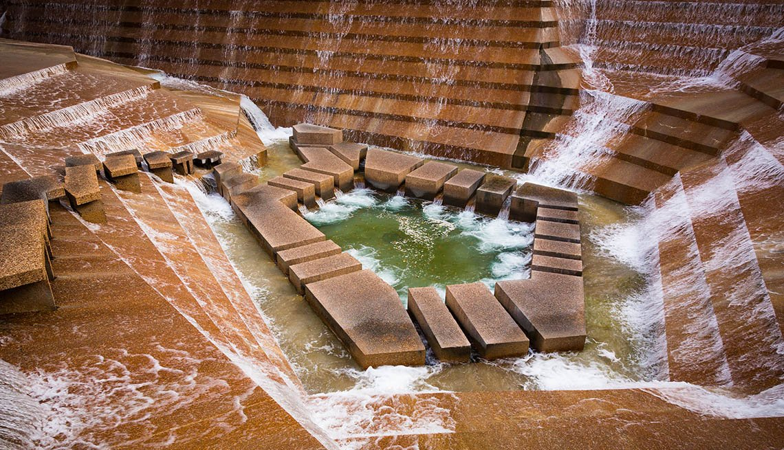 The Fort Worth Water Gardens, Amazing USA Gardens