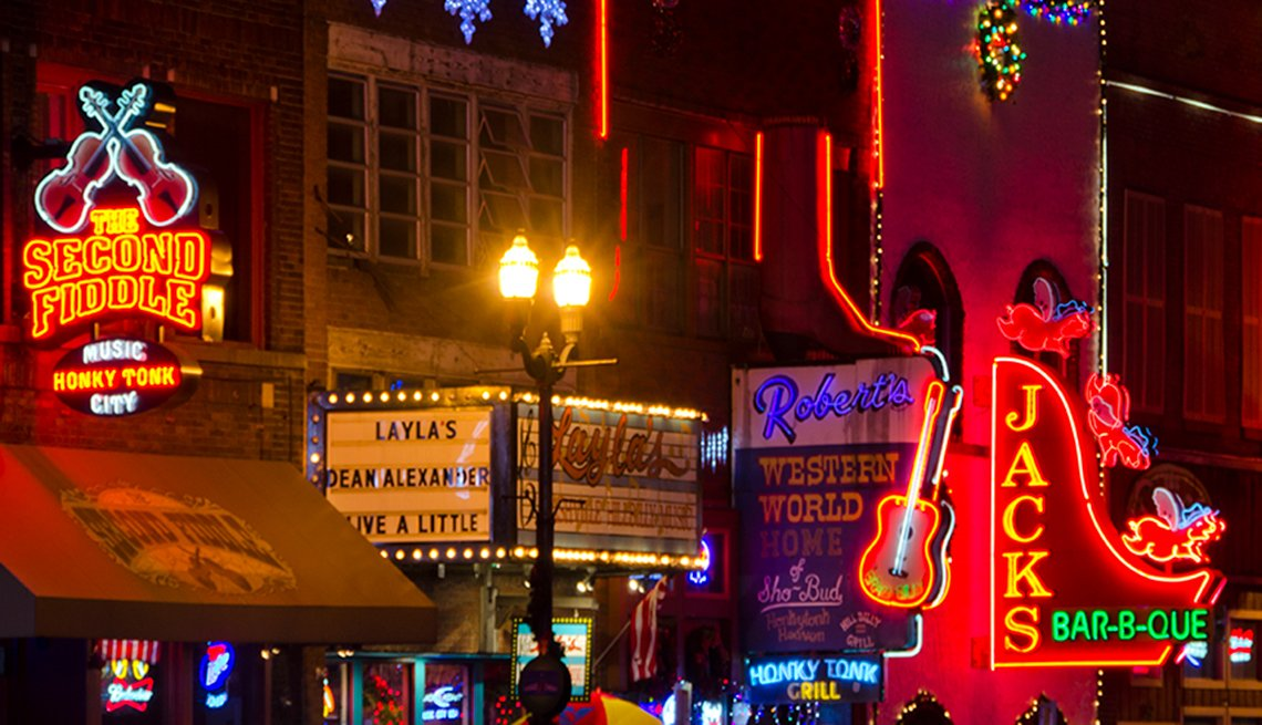 Neon Signs from Bars and Clubs in Nashville, Adventures for 2017