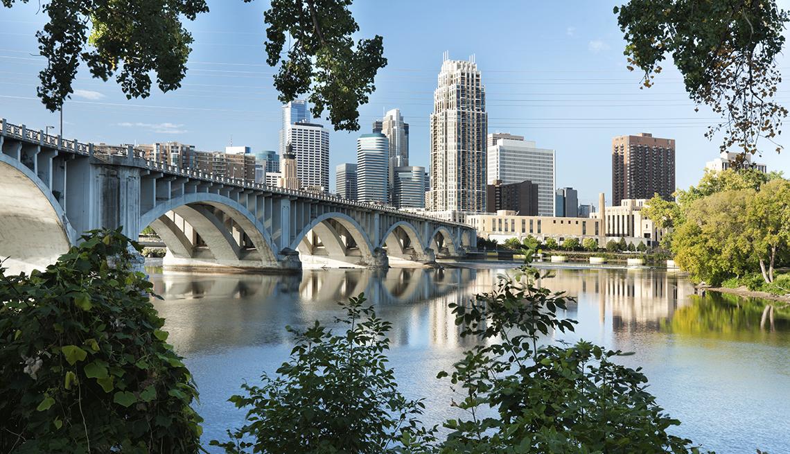 item 8 of Gallery image - Mississippi River Bridge, Minneapolis Skyline, Budget U.S. Trips