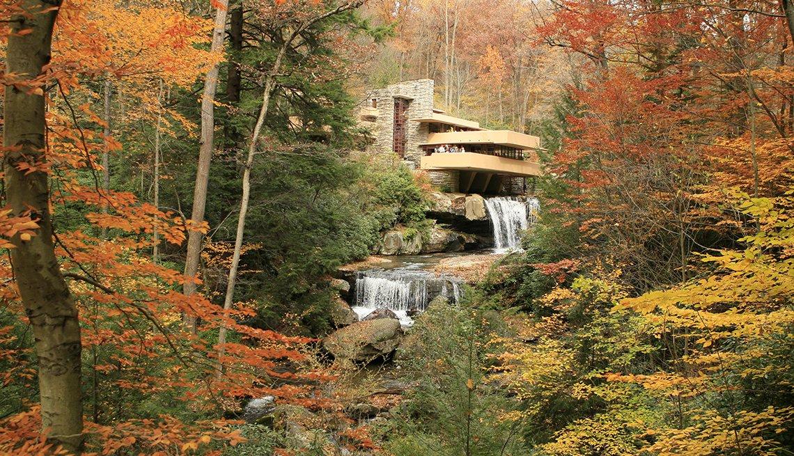 Frank Lloyd Wright, Fallingwater, Pennsylvania, Samantha Brown's Top Picks for Fall Foliage
