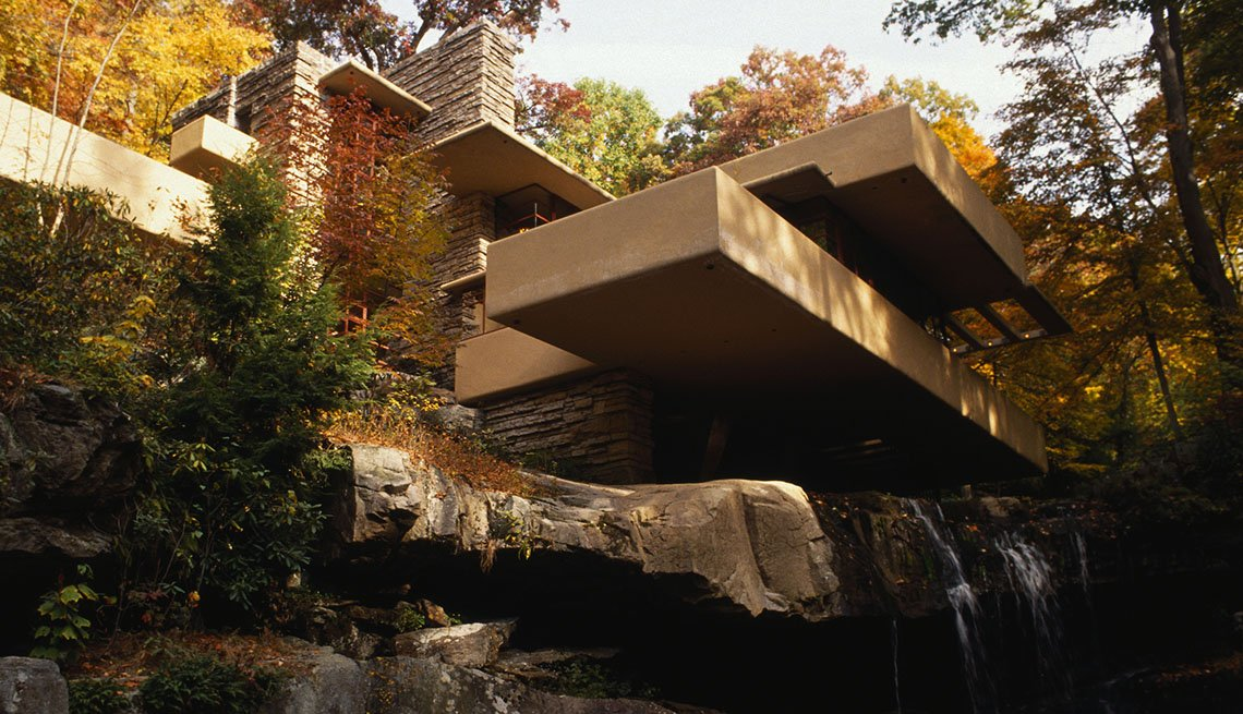 Frank Lloyd Wright's Famous Private Residence Fallingwater In Pennsylvania, Iconic Private Homes