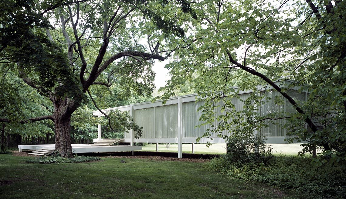 View Of Farnsworth House In Plano Illinois, Iconic Private Homes